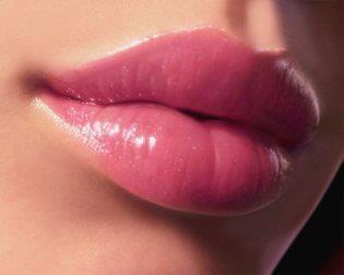 Дръзки, секси устни
